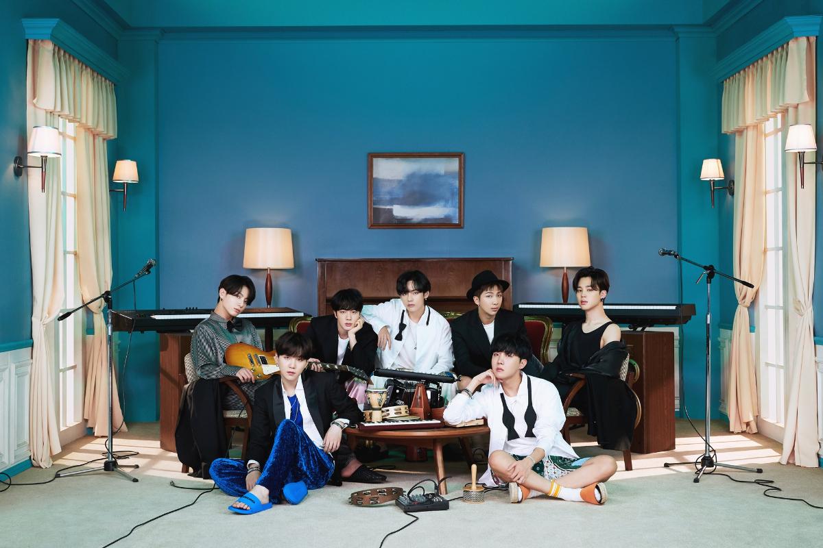 방탄소년단_BE (Deluxe Edition)_콘셉트 포토_단체.jpg